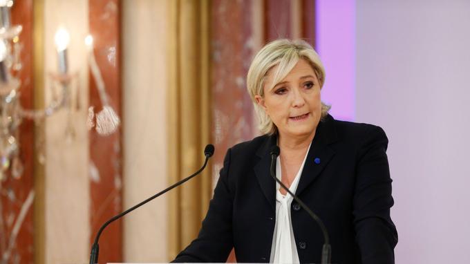 Marine Le Pen hier à Paris.