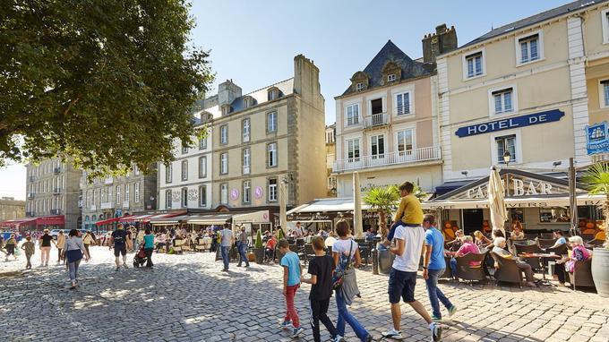 Sur la place Chateaubriand. © A Lamoureux