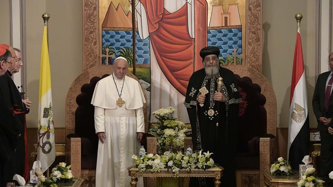 Le pape François était avec le pape copte Théodore II, afin de célébrer «l'héritage commun» entre l'Église catholique et l'Église orthodoxe, au Caire, le 28 avril.