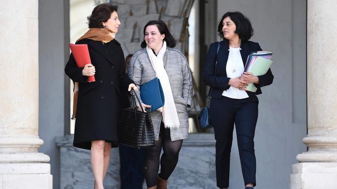 Myriam El Khomri (à droite) en compagnie de la ministre de la Culture, Audrey Azoulay (à gauche), et de celle du Logement, Emmanuelle Cosse, le 26 avril.