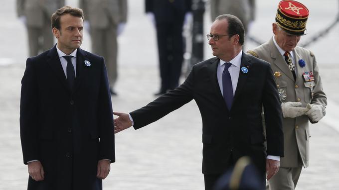 «Il sait que s'il a besoin de quelque information, conseil, il s'adressera à moi, je serai toujours à côté de lui», a dit Hollande à l'issue de la cérémonie.