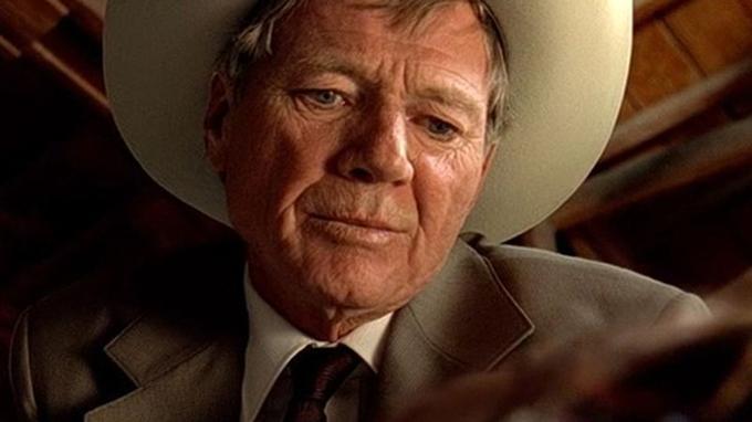 Dans «Kill Bill volume 1», quand Michael Parks, en Texas Ranger, vient enquêter sur le massacre dans l'église.