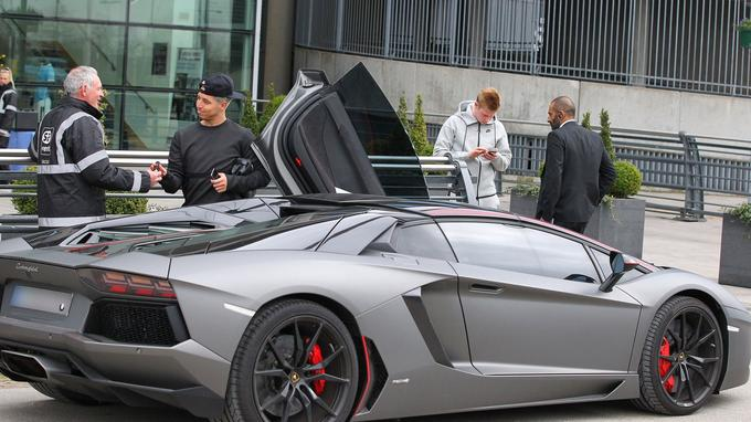 Au volant de sa Lamborghini Aventador, Nasri a été arrêté par les forces de l'ordre, près de Manchester. (photo ABACA)