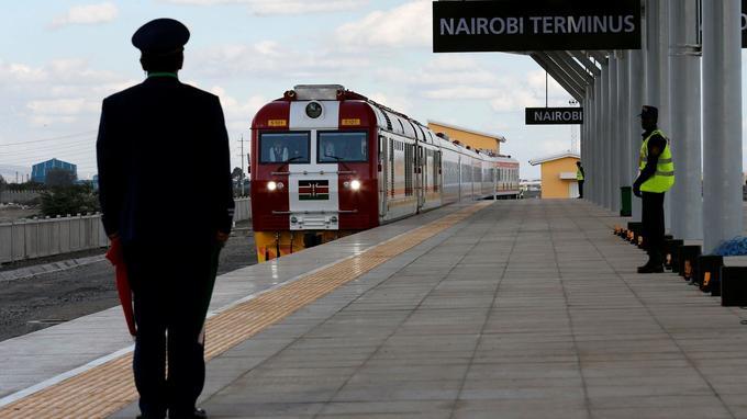 Arrivée du train à la gare de Nairobi.