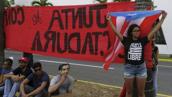 Le 24 mai 2017, les étudiants de l'Université de Porto Rico manifestaient contre une «dette illégale» et une «dictature coloniale».