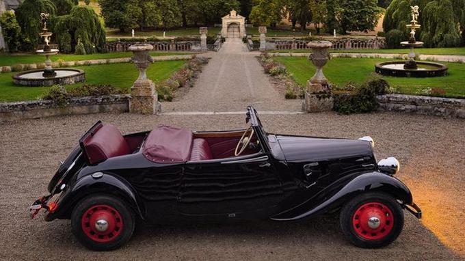 La Traction a également été déclinée en cabriolet, produit uniquement avant-guerre. (Léonard de Serres )