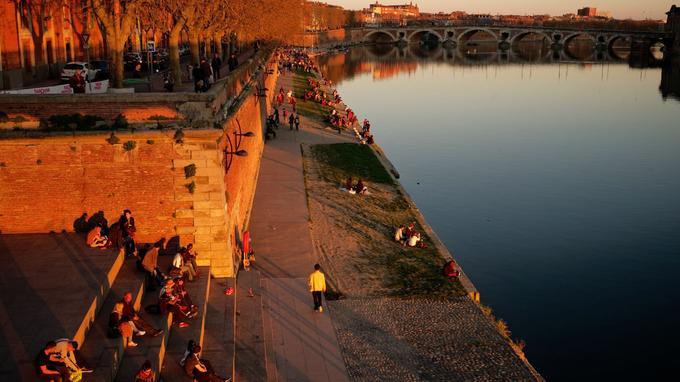 Les quais de la Garonne, au soleil couchant. © P. Nin Ville de Toulouse