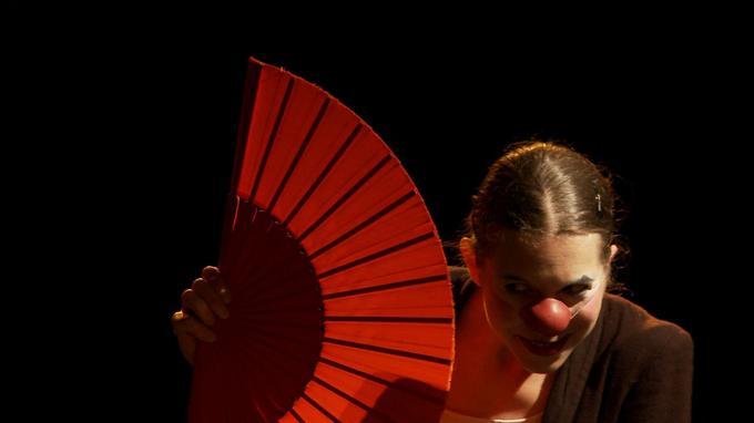Élodie Hatton mêle flamenco et spectacle de clown avec grâce dans «Ole».