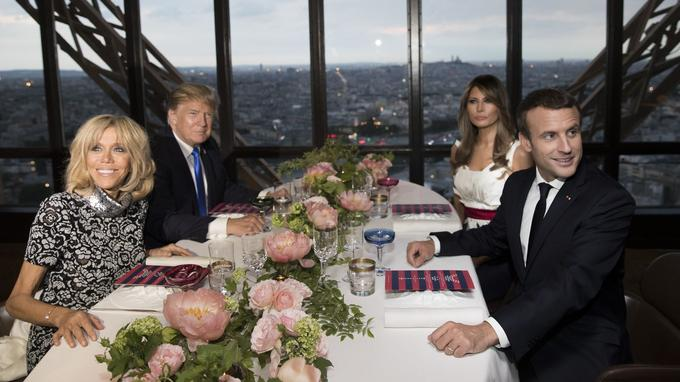 Dîner au Jules Verne, au deuxième étage de la tour Eiffel, le 13 juillet, entre les couples Trump et Macron.