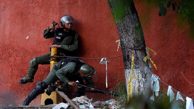 Les forces de sécurité à Caracas, mercredi.