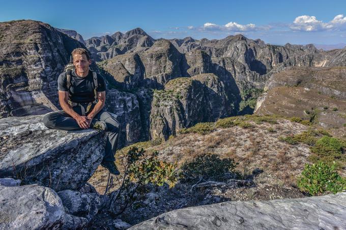 Révéler les richesses du massif du Makay pour mieux les protéger, c'est le défi que s'est lancé Evrard Wendenbaum en 2010, en organisant la première exploration scientifique de ce fabuleux labyrinthe.