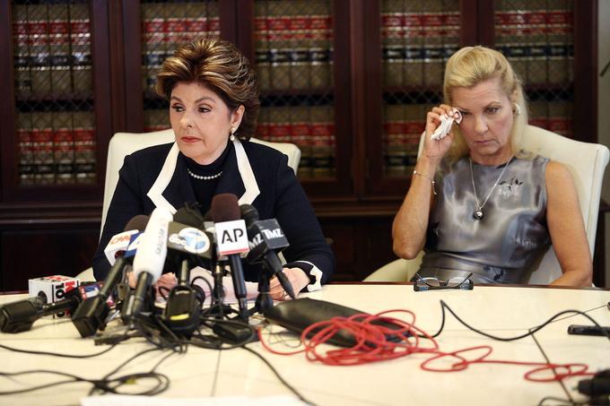 Robin (à droite) et son avocate, Gloria Allred, à Los Angeles le 15 août 2017.