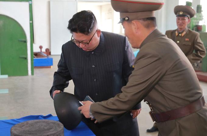 Le dirigeant s'assure de l'avancée des projets.