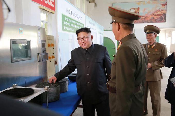 Kim Jong-un a donné des directives lors de sa visite, comme la production d'ogives de missiles balistiques intercontinentaux.