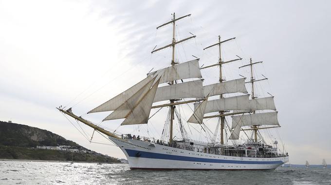 <i>Le Mir</i>, un voilier très rapide, sous pavillon russe.