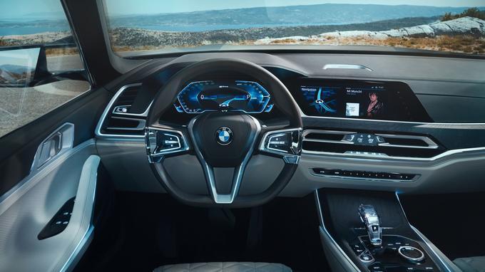 Le BMW X7 Concept confirme la conversion de la marque à l'instrumentation digitale.