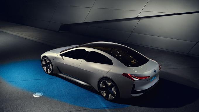 L'étude i Vision Dynamics renouvelle admirablement les codes BMW.