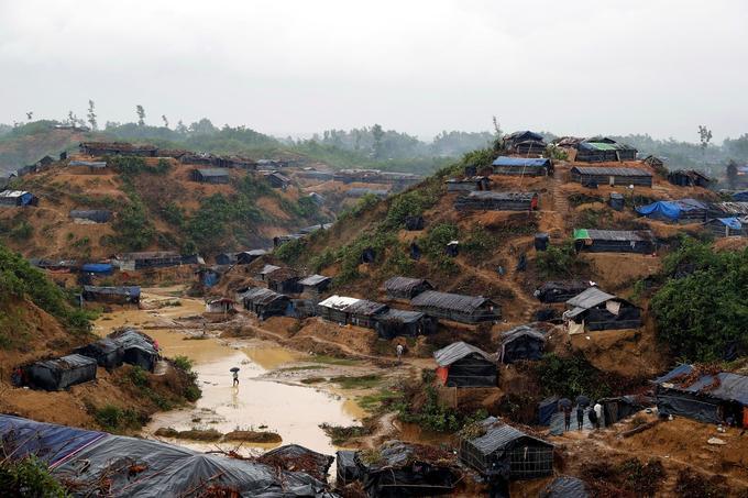 Vue du camp de réfugiés rohingyas à Cox's Bazar au Bangladesh.