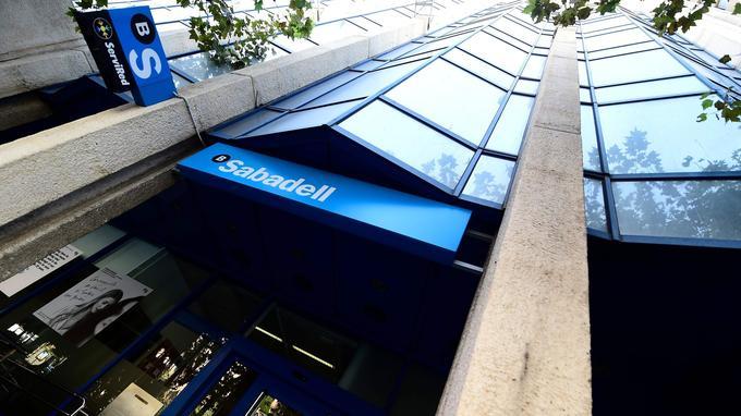 Banco Sabadell a menacé de déménager son siège hors de Catalogne.