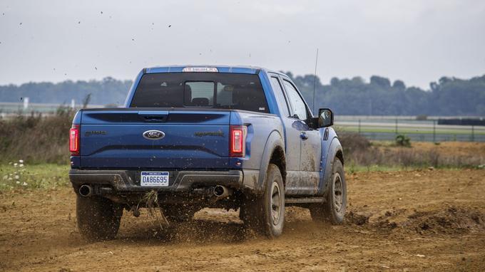 Six modes de conduite permettent d'adapter la réponse de la transmission au terrain.