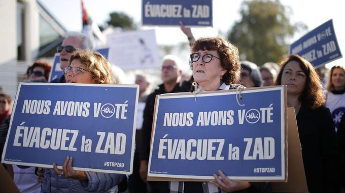 Quelque 300 riverains se sont rassemblés pour exiger le «déménagement» de l'aéroport de Nantes à Notre-Dame-des-Landes.