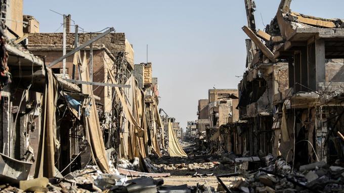 Une rue dévastée de Raqqa, le 21 octobre.