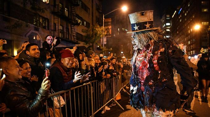 Malgré l'attentat qui s'est déroulé quelques heures plus tôt, la magie de Halloween a agi.