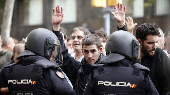 Le référendum du 1er octobre s'est tenu en présence de très nombreux policiers.