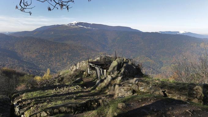Une partie des tranchées et des fortifications bétonnées ont tout de même bravé le temps