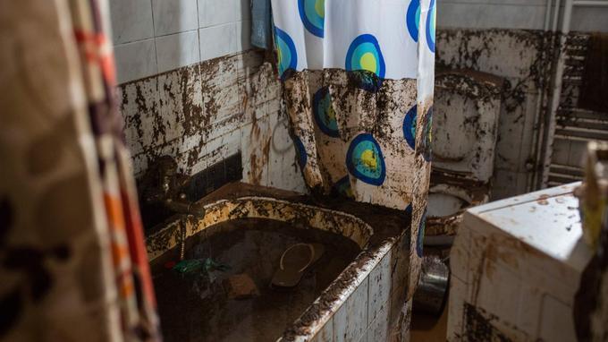 Des maisons ont été dévastées par les eaux.
