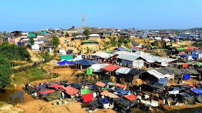 Sur les hauteurs du camp de Kutupalong, près de Cox's Bazar, dans le sud du Bangladesh, le 21 novembre dernier.
