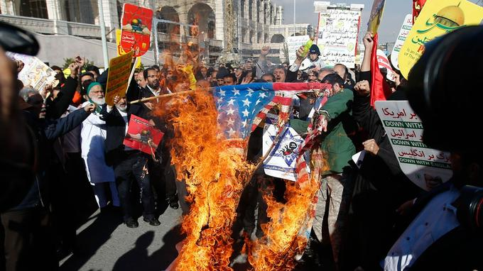Manifestants à Téhéran, en Iran.