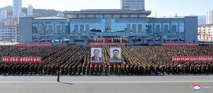 Un rassemblement en Corée du Nord pour célébrer la réussite de nouveaux essais nucléaires le 6 décembre 2017.