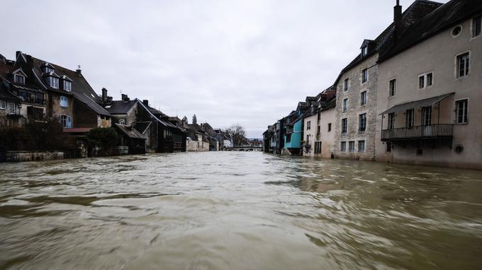 En vigilance rouge lundi, La rivière Loue a commencé sa décrue dans le Doubs.