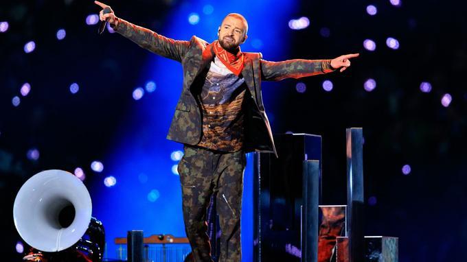 Convié pour la troisième fois, un record, Justin Timberlake, a effectué une prestation très maîtrisée.