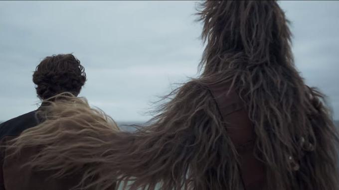 Les jeunes Han Solo et Chewbacca dans «Solo: A Star Wars Story».
