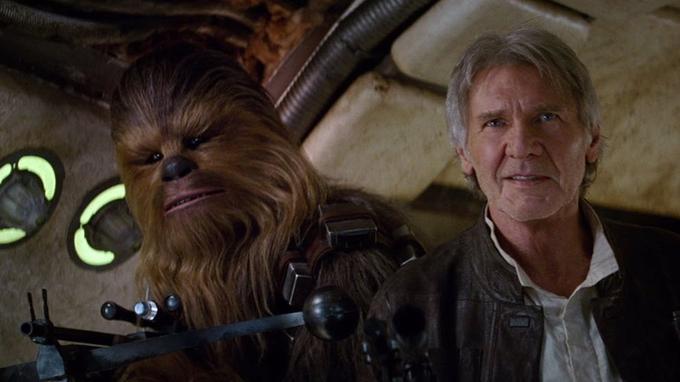 Han et Chewbacca dans «Le Réveil de la Force», des décennies après.