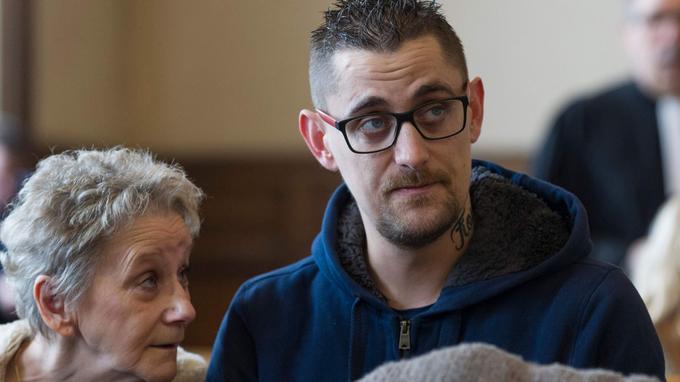 Nicolas Chafoulais, père de Fiona, dont il a fait tatouer le prénom sur son cou.