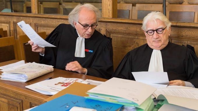 Me Gilles-Jean Portejoie (à gauche), avocat de Cécile Bourgeon et Me Marcel Schott, avocat deBerkane Makhlouf. La mère était également défendue par Me Renaud Portejoie.