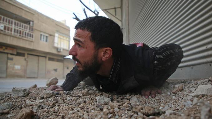 Les membres du Conseil de sécurité des Nations unies examinent actuellement un projet de résolution réclamant l'instauration d'un cessez-le-feu de trente jours dans l'ensemble de la Syrie pour permettre la livraison urgente d'aide humanitaire.