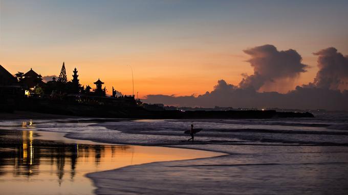 Ourlé d'une immense plage très prisée des surfeurs, le nouvel hôtel Como Uma Canggu, au sud de Bali.
