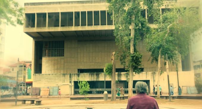 Le Centre for Environmental Planning & Technology, école d'architecture d'État renommée située à Ahmedabad, fondée et dessinée en 1972 par Balkrishna Doshi.