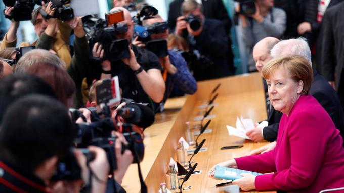 La conférence de presse de la coalition le 12 mars.