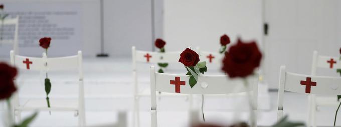 Le 5 novembre 2017, un vétéran a ouvert le feu dimanche en plein office dans une église baptiste de Sutherland Springs, faisant 26 morts et 20 blessés.