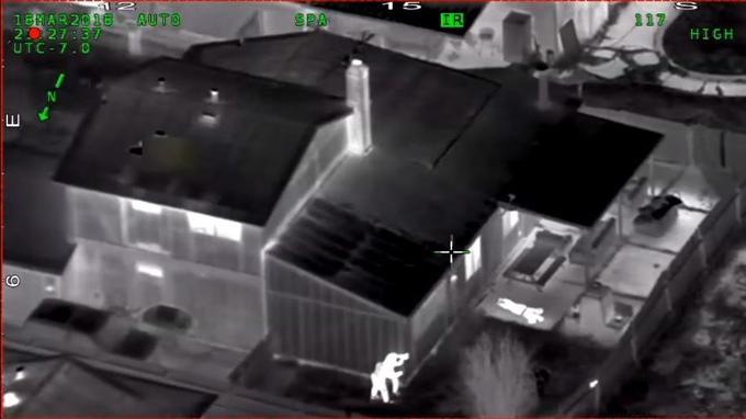 Les images prises par un hélicoptère.
