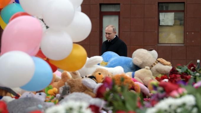 Le président russe, Vladimir Poutine s'est rendu à Kemerovo mardi dernier et a visité les blessés.