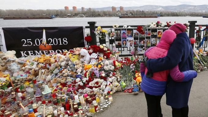 Un mémorial a été installé près de la rivière Yenisei dans la ville de Krasnoïarsk.