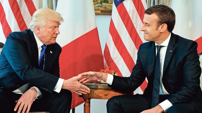 Rencontre entre Donald Trump et Emmanuel Macron, le 25 mai 2017, à Bruxelles.