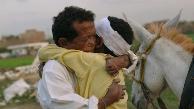 «Yoeddine» d'Abu Bakr Shawky raconte la fuite de Beshai d'une léproserie dans le désert égyptien.