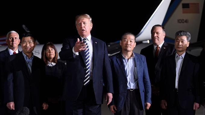 De nombreux élus américains ont salué la libération des trois hommes.